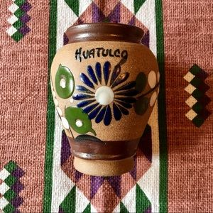 Precious handmade in Mexico flower 🌼 vase!